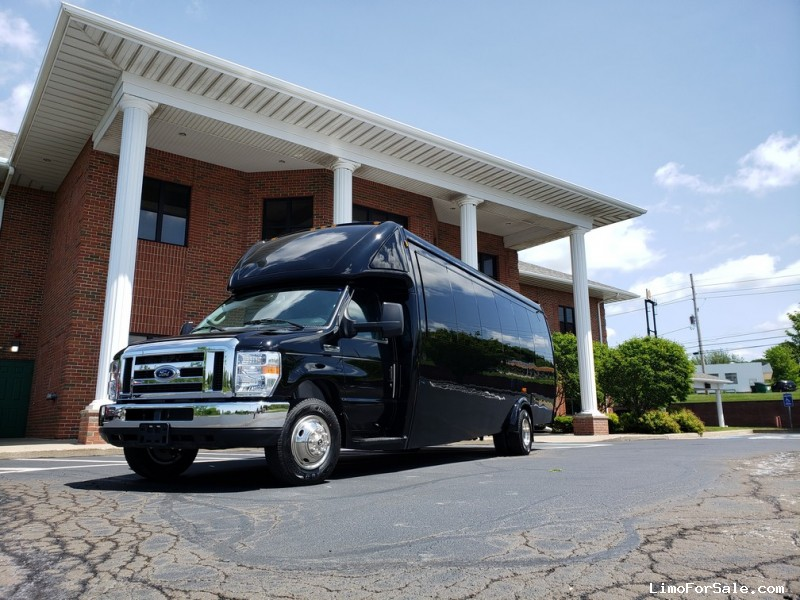 New 2019 Ford Mini Bus Limo Global Motor Coach - North East, Pennsylvania - $108,900