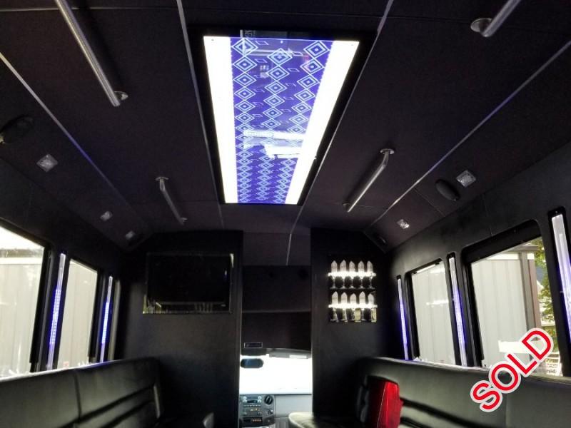 Used 2015 Ford Mini Bus Limo LGE Coachworks - North East, Pennsylvania - $72,000