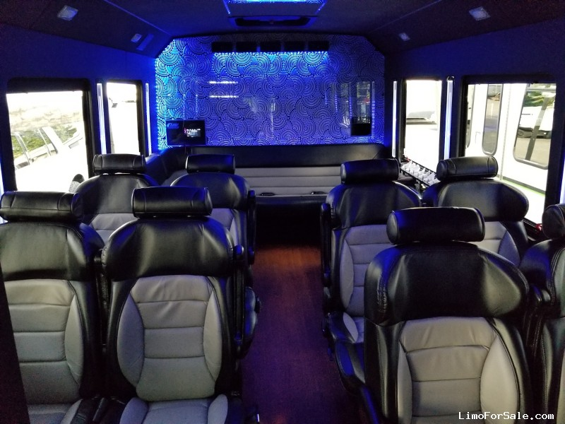 Used 2014 Ford Mini Bus Limo LGE Coachworks - North East, Pennsylvania - $44,000