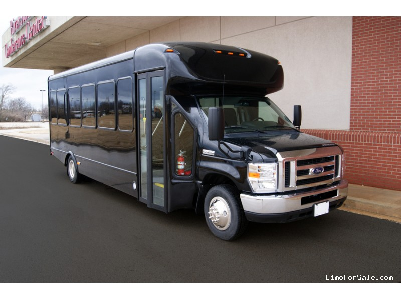 New 2019 Ford E-450 Mini Bus Shuttle / Tour Starcraft Bus - Kankakee, Illinois - $82,750