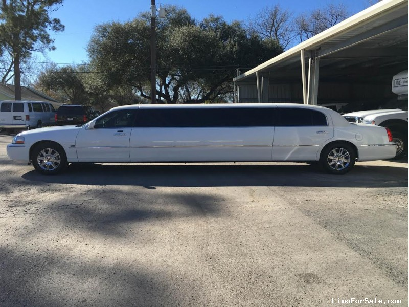 Used 2011 Lincoln Town Car L Sedan Stretch Limo Tiffany Coachworks - Houston, Texas - $14,900