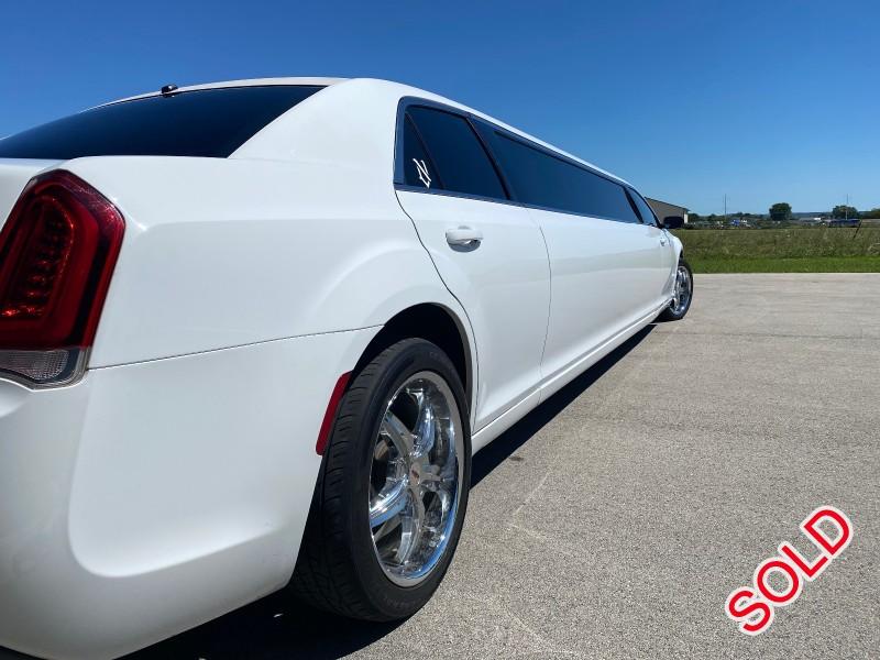 Used 2017 Chrysler 300 Sedan Stretch Limo Springfield - FOND DU LAC, Wisconsin - $45,350