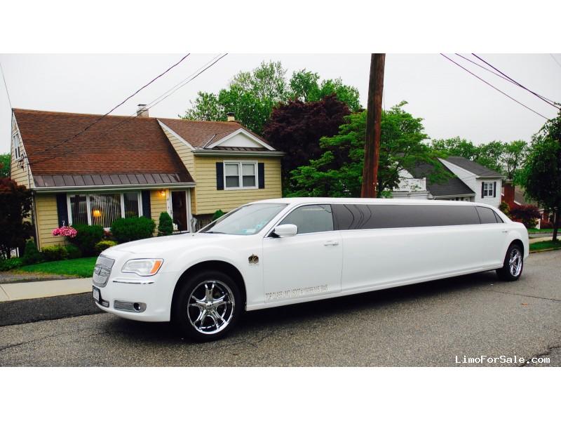 Used 2014 Chrysler 300 Sedan Stretch Limo Tiffany Coachworks - Yonkers, New York    - $60,000