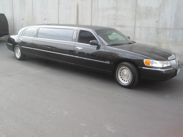 used 2000 lincoln town car sedan stretch limo dabryan 7900
