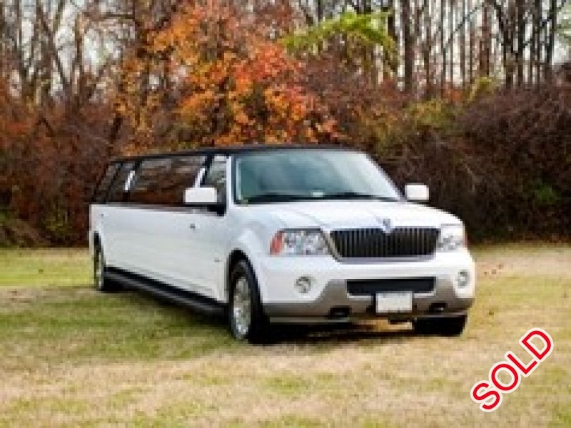 used 2004 lincoln navigator suv stretch limo krystal maryland 19 999 limo for sale. Black Bedroom Furniture Sets. Home Design Ideas