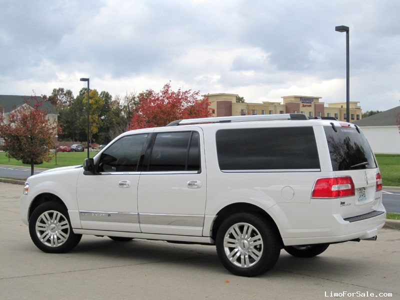 used 2014 lincoln navigator l suv limo executive coach builders elkhart indiana 51 620. Black Bedroom Furniture Sets. Home Design Ideas