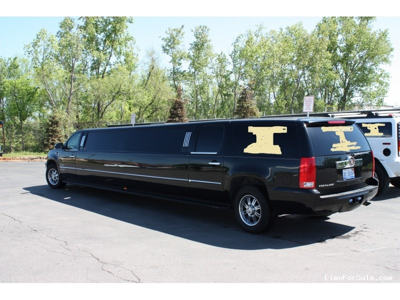 used 2008 cadillac escalade suv stretch limo executive coach builders michigan 44 900 limo. Black Bedroom Furniture Sets. Home Design Ideas