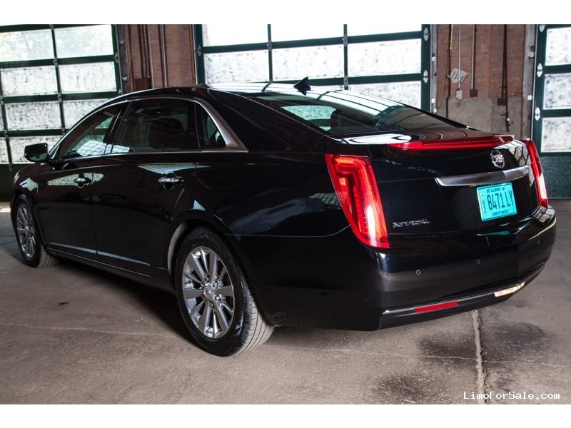 used 2014 cadillac xts l sedan limo lehmann peterson chicago illinois 35 950 limo for sale. Black Bedroom Furniture Sets. Home Design Ideas