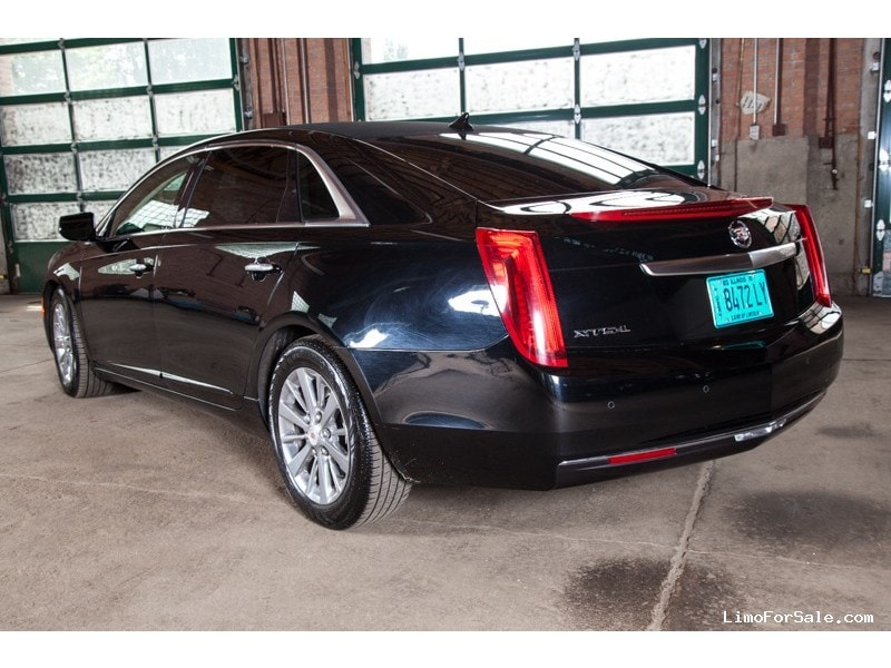 used 2013 cadillac xts l sedan limo lehmann peterson chicago illinois 19 500 limo for sale. Black Bedroom Furniture Sets. Home Design Ideas