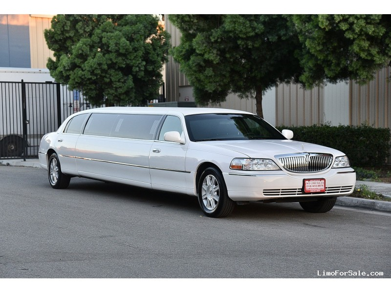 used 2008 lincoln town car sedan stretch limo executive coach builders fontana california. Black Bedroom Furniture Sets. Home Design Ideas