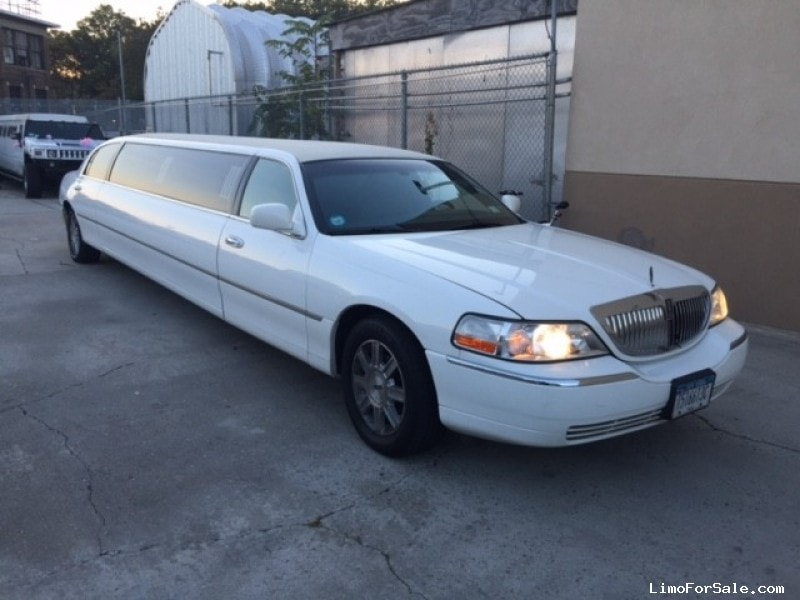 used 2008 lincoln town car sedan stretch limo krystal brooklyn new york 16 000 limo for. Black Bedroom Furniture Sets. Home Design Ideas