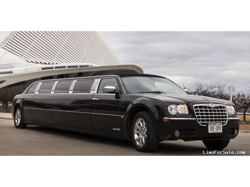 used 2005 chrysler 300 sedan stretch limo milwaukee wisconsin 17 500 limo for sale. Black Bedroom Furniture Sets. Home Design Ideas