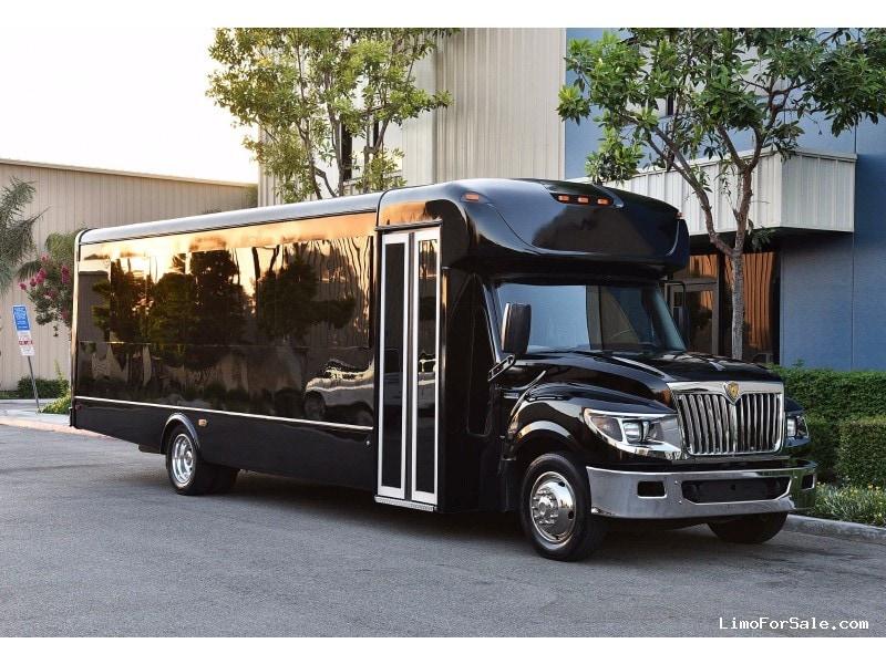 Used 2013 International 3200 Mini Bus Limo  - Englewood, Colorado - $67,900