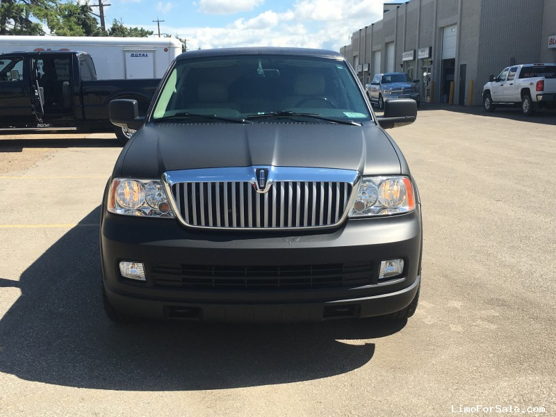 used 2006 lincoln navigator suv stretch limo dabryan edmonton alberta 31 500 limo for sale. Black Bedroom Furniture Sets. Home Design Ideas