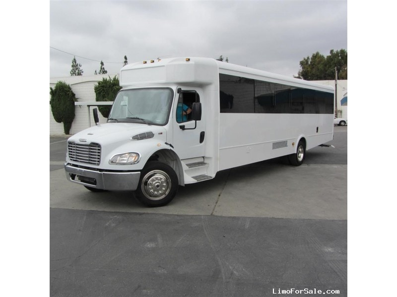 New 2017 Freightliner Coach Motorcoach Limo Pinnacle Limousine Manufacturing - Hacienda Heights, California - $159,900