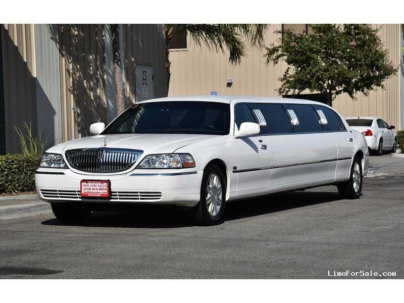 used 2007 lincoln town car sedan stretch limo royale fontana california 18 995 limo for sale. Black Bedroom Furniture Sets. Home Design Ideas