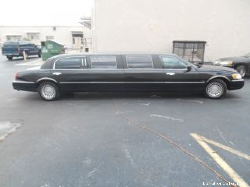 Used 2001 Lincoln Town Car Sedan Stretch Limo Executive Coach