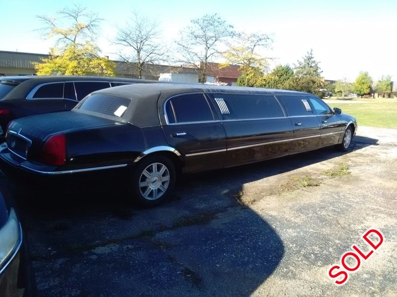 Used 2009 Lincoln Town Car Sedan Stretch Limo Krystal - Winona, Minnesota - $14,900