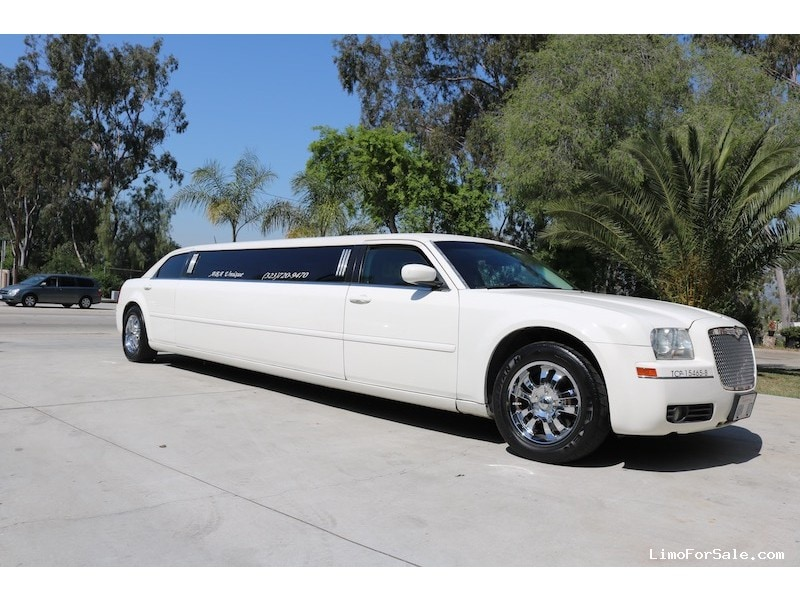 Used 2008 Chrysler 300 Sedan Stretch Limo Krystal - Montebello, California - $17,500