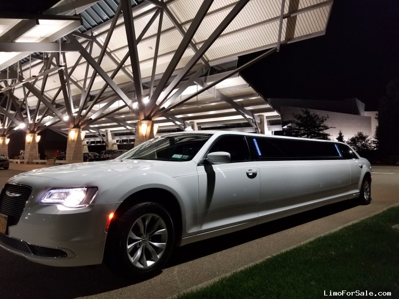Used 2015 Chrysler 300 Sedan Stretch Limo Springfield - Long Island, New York    - $51,900