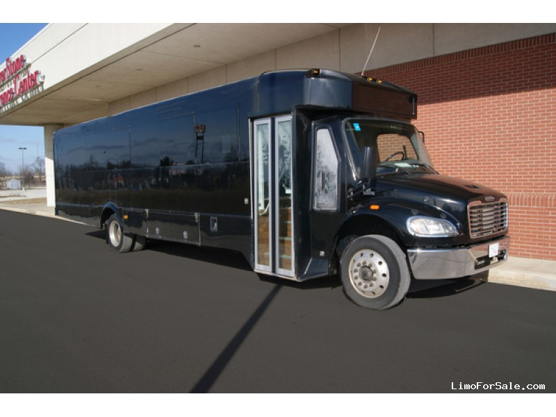 Used 2014 Freightliner M2 Mini Bus Shuttle / Tour Glaval Bus - Kankakee, Illinois - $58,500