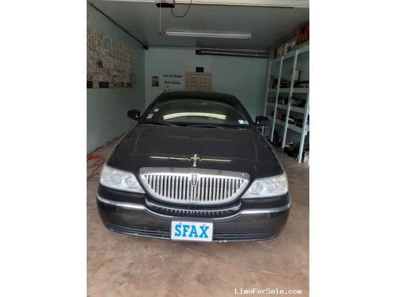 Used 2005 Lincoln Town Car Sedan Limo  - Southhaven, Mississippi - $4,300
