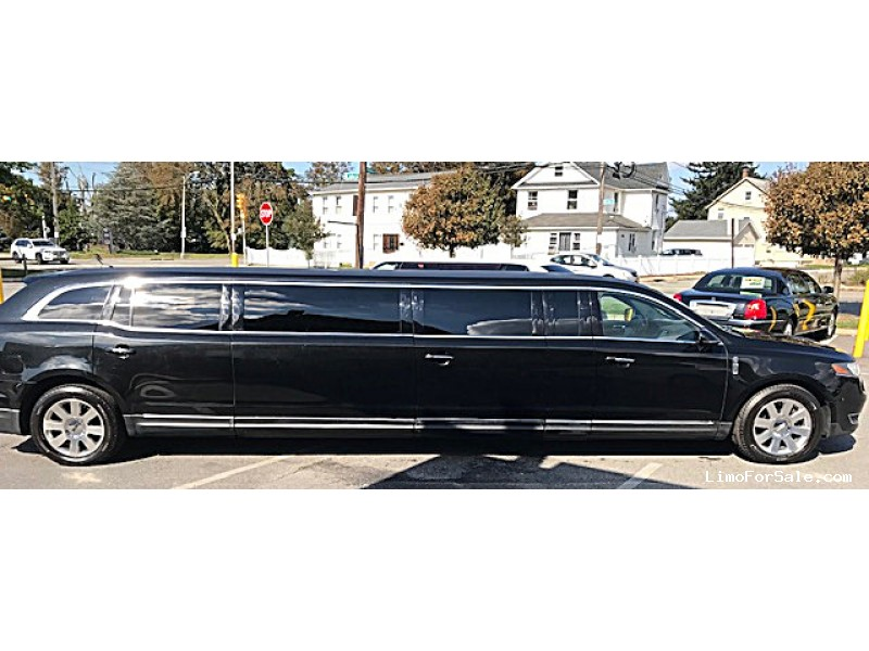 Used 2014 Lincoln MKT Sedan Stretch Limo Royale - Plainview, New York    - $26,500