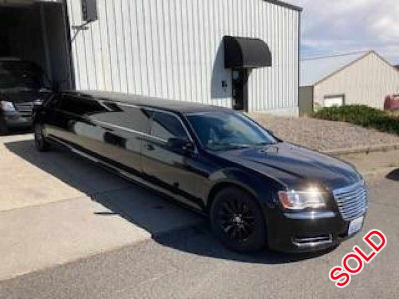 Used 2014 Chrysler 300 Sedan Stretch Limo Limos by Moonlight - spokane - $29,850