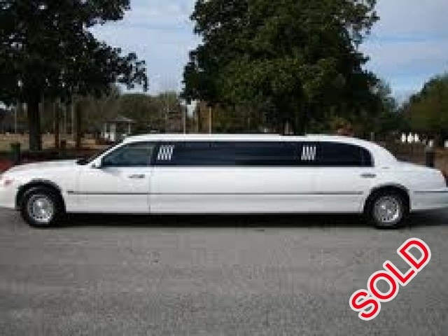 used 2001 lincoln town car sedan stretch limo classic. Black Bedroom Furniture Sets. Home Design Ideas