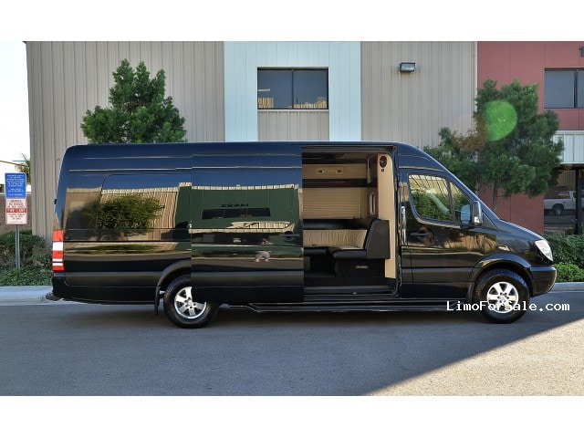 Used 2008 mercedes benz sprinter van limo midwest for Mercedes benz sprinter limo