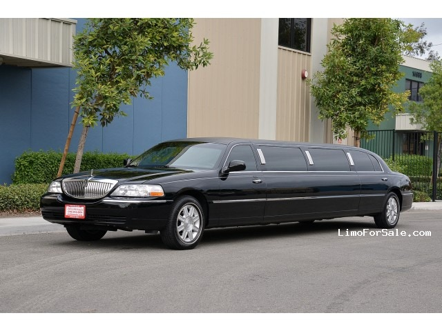 used 2011 lincoln town car sedan stretch limo dabryan fontana california 54 900 limo for. Black Bedroom Furniture Sets. Home Design Ideas