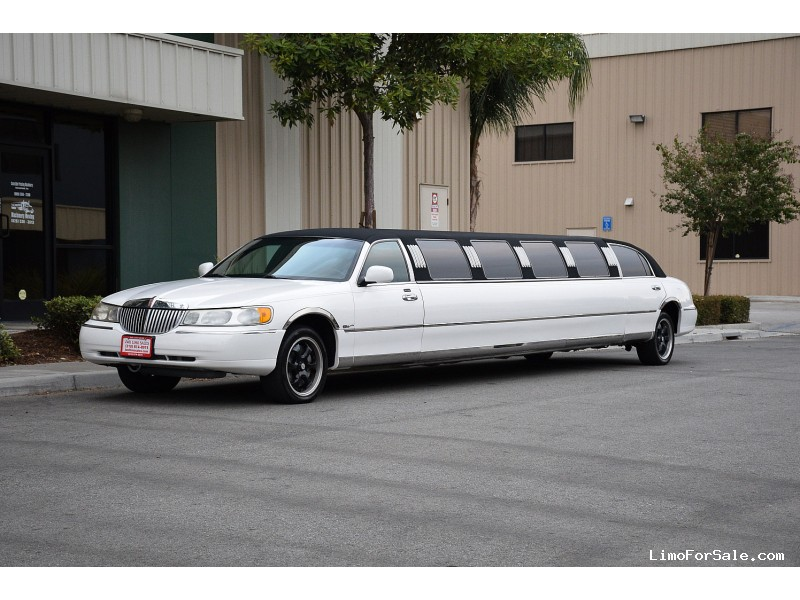 Used 2000 Lincoln Town Car Sedan Stretch Limo Ultra