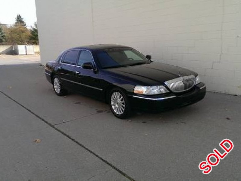 used 2004 lincoln town car sedan limo rochester hills michigan 5 400 limo for sale. Black Bedroom Furniture Sets. Home Design Ideas