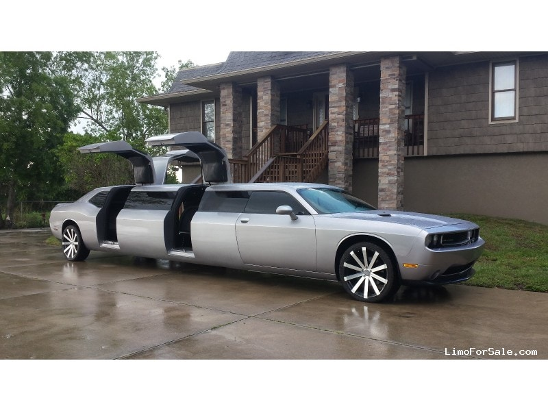 Used 2013 Dodge Challenger Sedan Stretch Limo  - Alva, Florida - $110,000