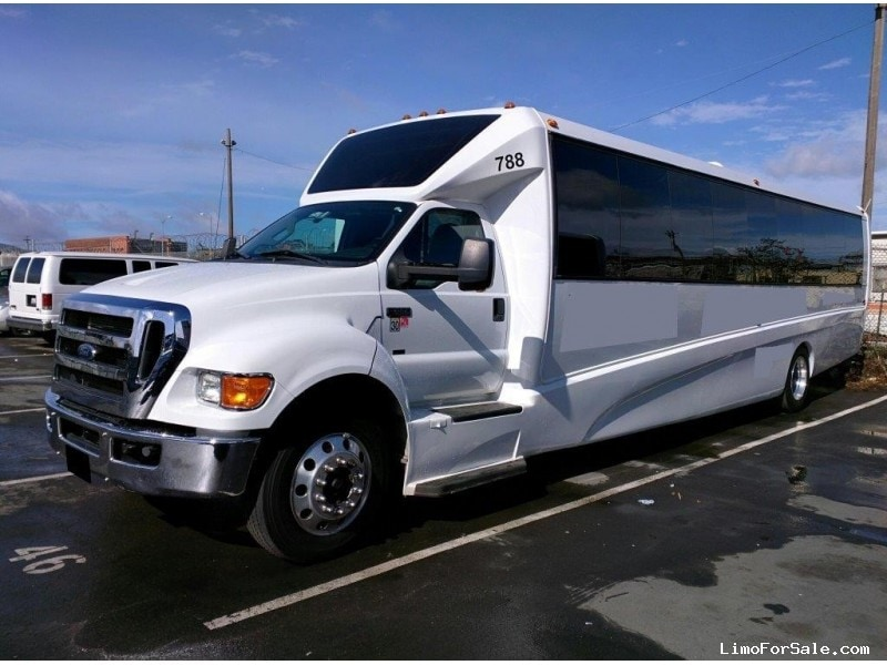 Used 2013 ford f 650 mini bus shuttle tour grech motors for Ford used motors for sale