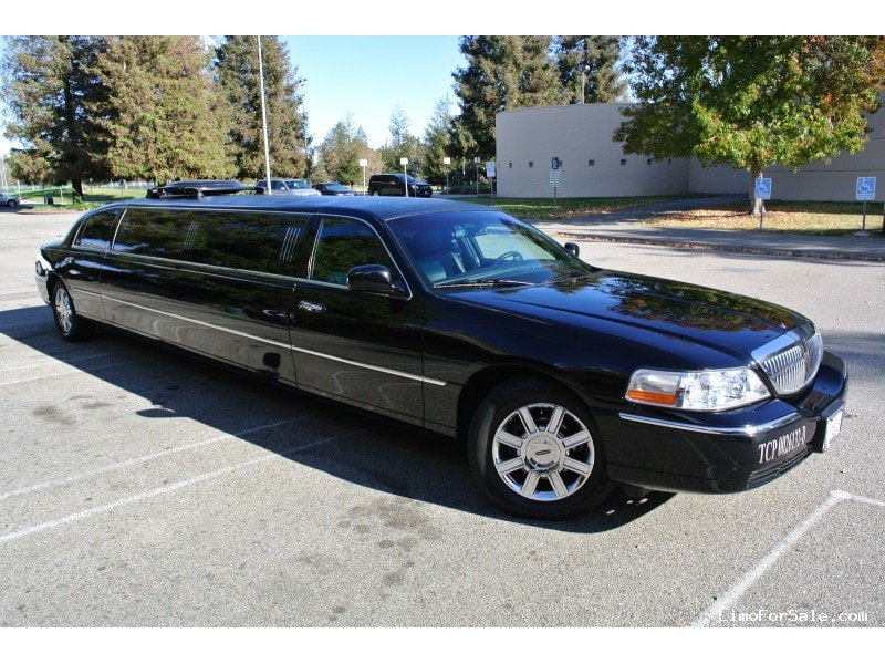 used 2007 lincoln town car sedan stretch limo executive coach builders los angeles california. Black Bedroom Furniture Sets. Home Design Ideas