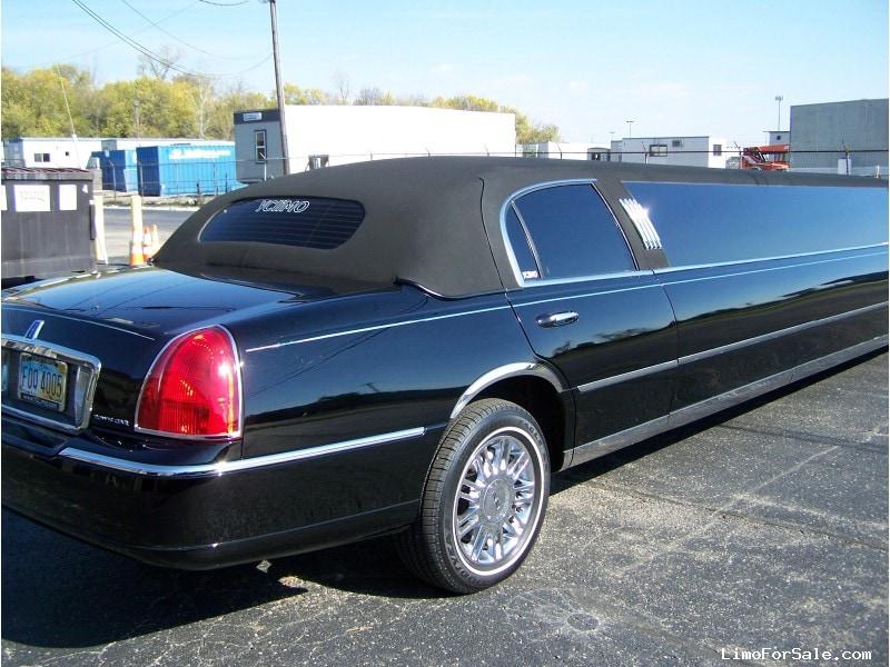 used 2006 lincoln town car sedan stretch limo royal coach builders cincinnati ohio 26 000. Black Bedroom Furniture Sets. Home Design Ideas