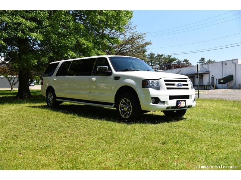 used 2005 ford expedition suv stretch limo la custom coach paterson new jersey 12 000. Black Bedroom Furniture Sets. Home Design Ideas