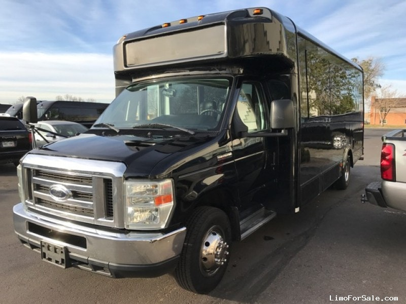 Used 2010 Ford E-450 Mini Bus Shuttle / Tour Glaval Bus - Aurora, Colorado - $18,998