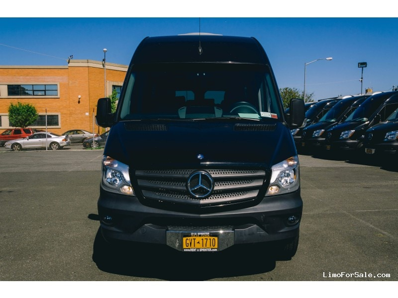 Used 2015 Mercedes-Benz Sprinter Van Shuttle / Tour  - East Elmhurst, New York    - $39,999