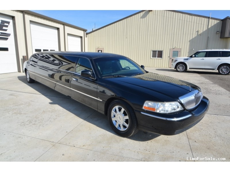 Used 2011 Lincoln Town Car Sedan Stretch Limo Tiffany Coachworks - North East, Pennsylvania - $29,900