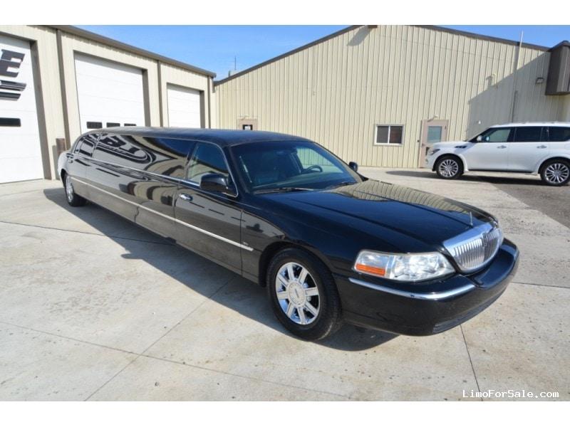 Used 2011 Lincoln Town Car Sedan Stretch Limo Tiffany Coachworks - North East, Pennsylvania - $26,200