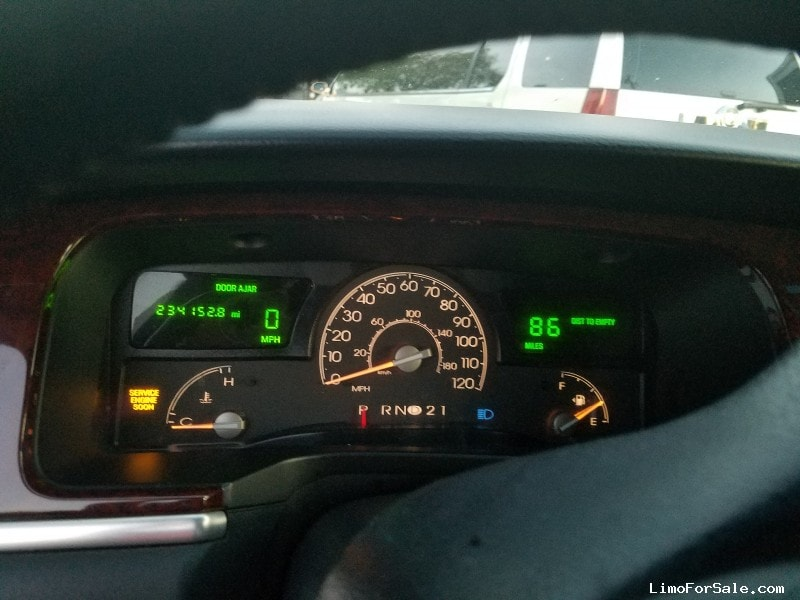 Used 2003 Lincoln Town Car L Sedan Stretch Limo Krystal - Hayward, California - $4,500