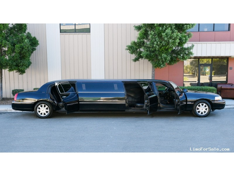 Used 2011 Lincoln Town Car Sedan Stretch Limo Executive Coach