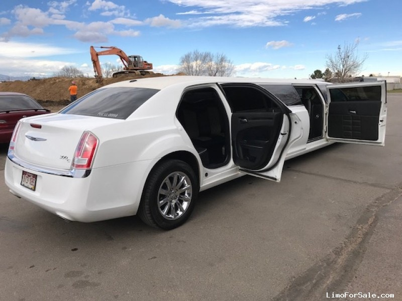 Used 2013 Chrysler 300 Sedan Stretch Limo Limos by Moonlight - Aurora, Colorado - $31,495