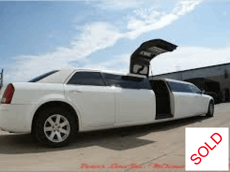 Used 2012 Chrysler Sedan Stretch Limo Limos by Moonlight - west islip, New York    - $21,990