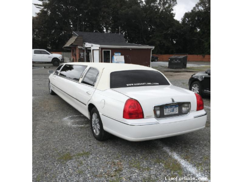 Used 2006 Lincoln Sedan Stretch Limo Springfield - Medford, New York    - $5,700