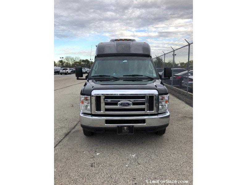 Used 2014 Ford E-350 Van Shuttle / Tour Turtle Top - Philadelphia, Pennsylvania - $30,000