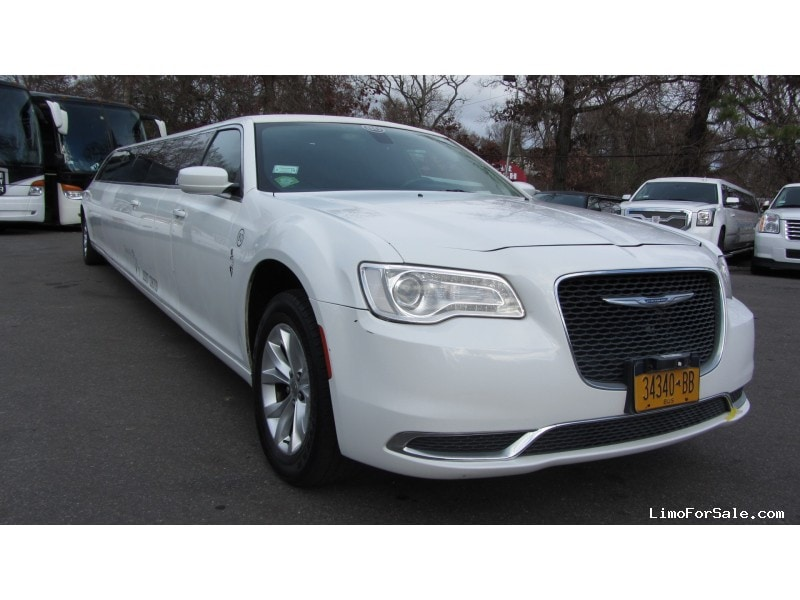 Used 2016 Chrysler Sedan Stretch Limo Limos by Moonlight - Commack, New York    - $47,900