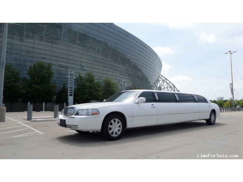 Used 2009 Lincoln Town Car L Sedan Stretch Limo  - Winchester, Virginia - $14,500